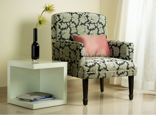 Ascot-chair-with-black-fabrick